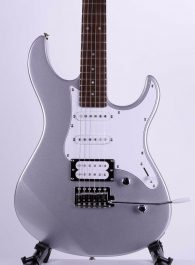 Yamaha-Pacifica-112V-SL-Silver-Electric-Guitar-b